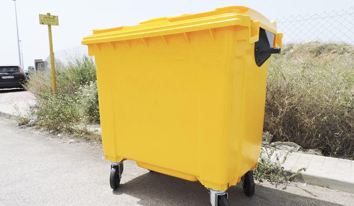 Waste containers Image 1